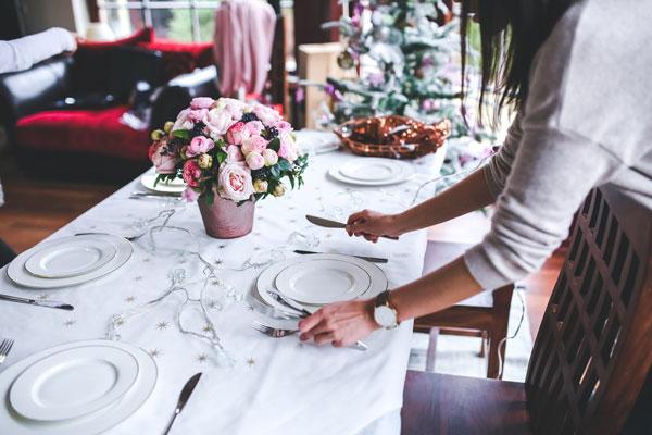 preparation-table-mariage-traiteur